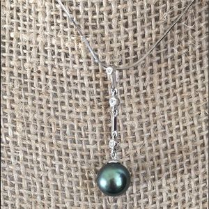Jewelry - 18kt White Gold and Tahitian Black Pearl Necklace